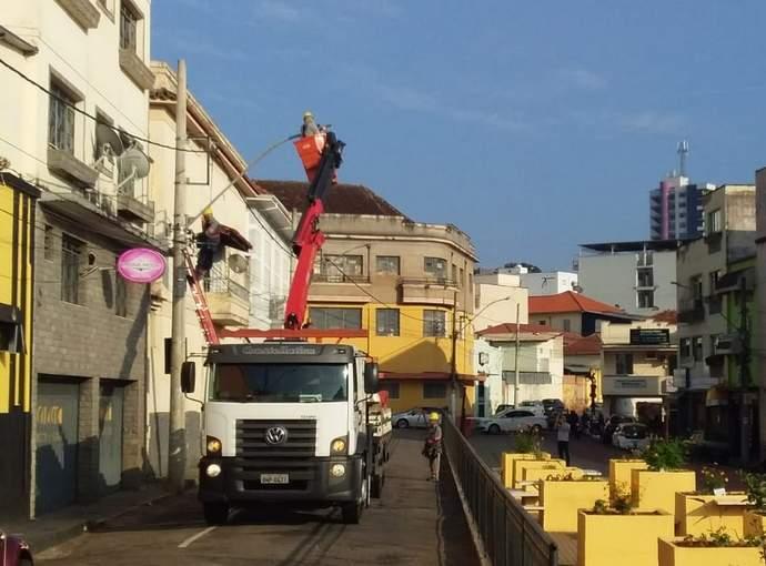 instalação lâmpada led na cidade de Varginha
