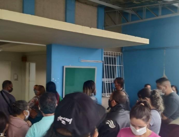 Aglomeração no Hospital Bom Pastor