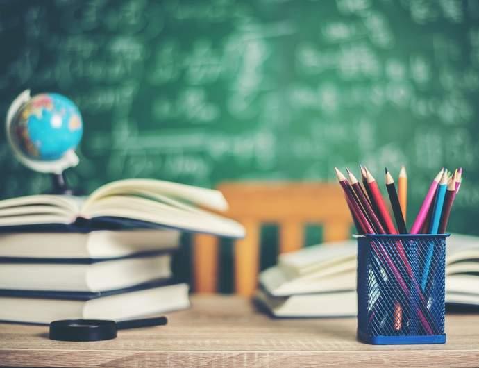 Contrato de designação professores