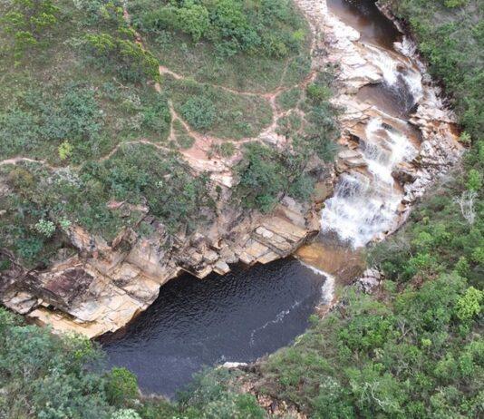 Cachoeira em Capitólio.