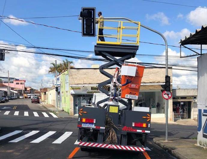 Semáforos no bairro Sion