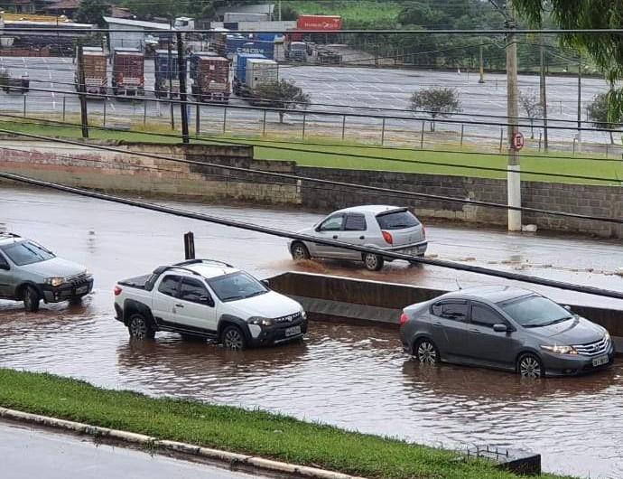 Alagamento avenida Princesa do Sul